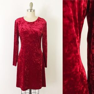 Vintage Red Crushed Velvet Long Sleeve Dress X1051